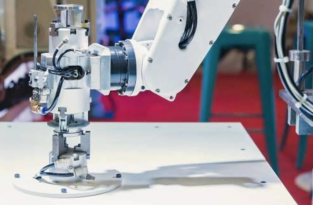 To win more deals, manufacturers need to propose smarter and more flexible machines